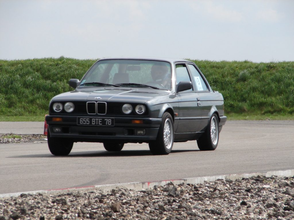 BMW 325 iS E30