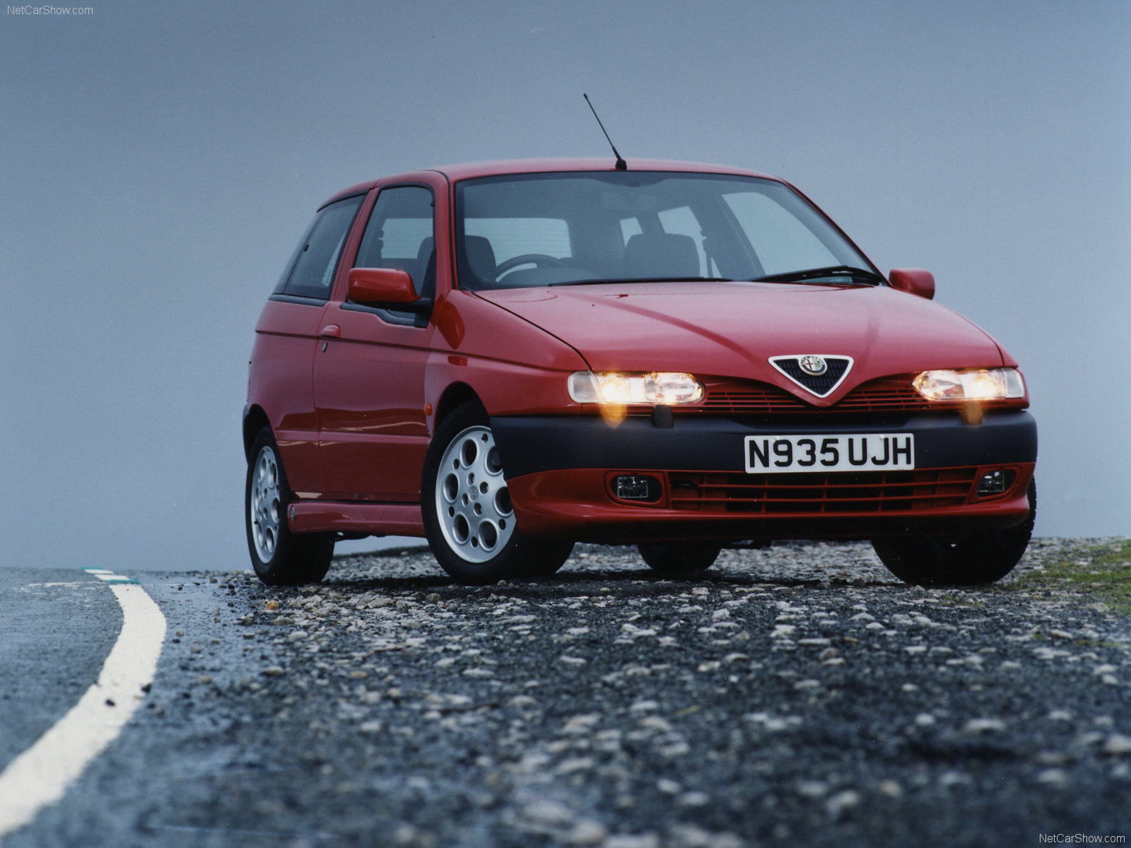 L'argus  actualité Alfa Romeo 145, Essais Alfa Romeo 145, nouveautés Alfa Romeo 145, comparatifs...