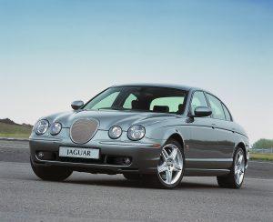 Jaguar S-Type R (2002)