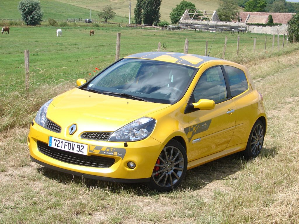 Renault Clio 3 RS F1 Team R27 (2007)