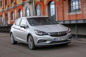 2015-Opel-Astra-301317 0