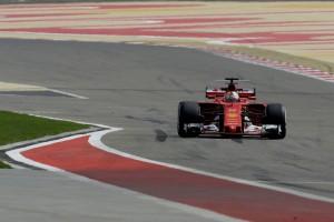 2017-04-16-GP-F1-Bahrain-2017-8