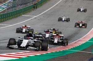 304342 F1 restarts with thriller in Austria