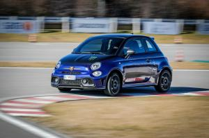 Abarth-595-Monster-Energy-Yamaha-16