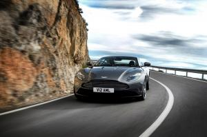 aston-martin-db11-v12-coupe-10