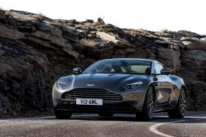 aston-martin-db11-v12-coupe-15