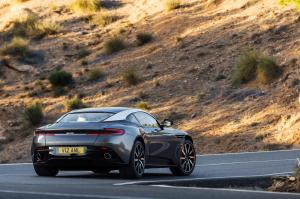 aston-martin-db11-v12-coupe-16