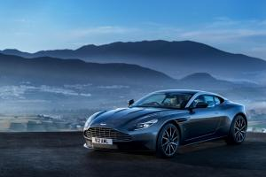 aston-martin-db11-v12-coupe-4