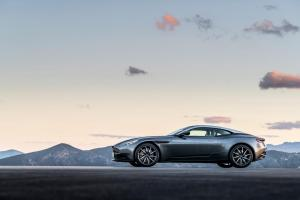 aston-martin-db11-v12-coupe-5