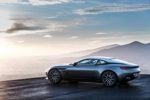 aston-martin-db11-v12-coupe-6