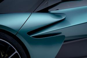 Aston Martin Valhalla08