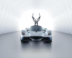 Aston Martin Valkyrie 02