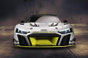 R8 LMS GT2 avant