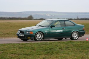 bmw-325i-coupe-e36-1
