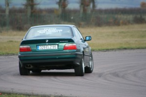 bmw-325i-coupe-e36-4