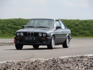 bmw-325is-e30-14