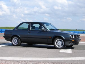 bmw-325is-e30-22