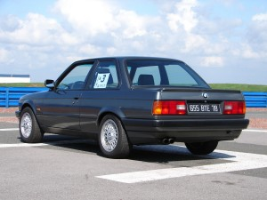 bmw-325is-e30-24