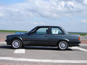 bmw-325is-e30-32