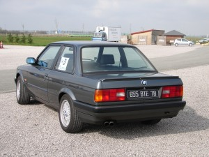 bmw-325is-e30-4