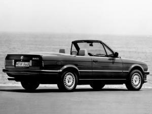 bmw-320i-cabriolet-e30-2
