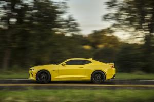 2016-Chevrolet-Camaro-SS-045