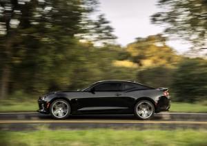 2016-Chevrolet-Camaro-SS-046