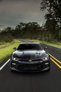 2016-Chevrolet-Camaro-SS-053