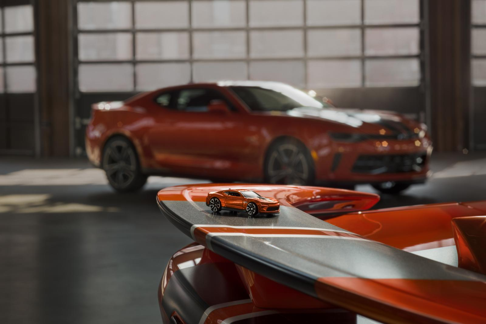 chevrolet-camaro-edition-hot-wheels-2017-1