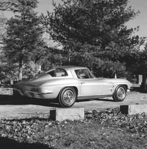 chervolet-corvette-c2-stingray-l84-splitwindow-11