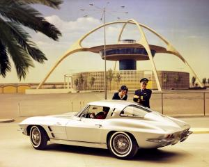 chervolet-corvette-c2-stingray-l84-splitwindow-4