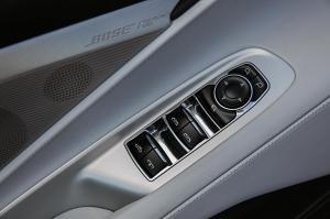 Chevrolet-Corvette-Stingray-Convertible-308063