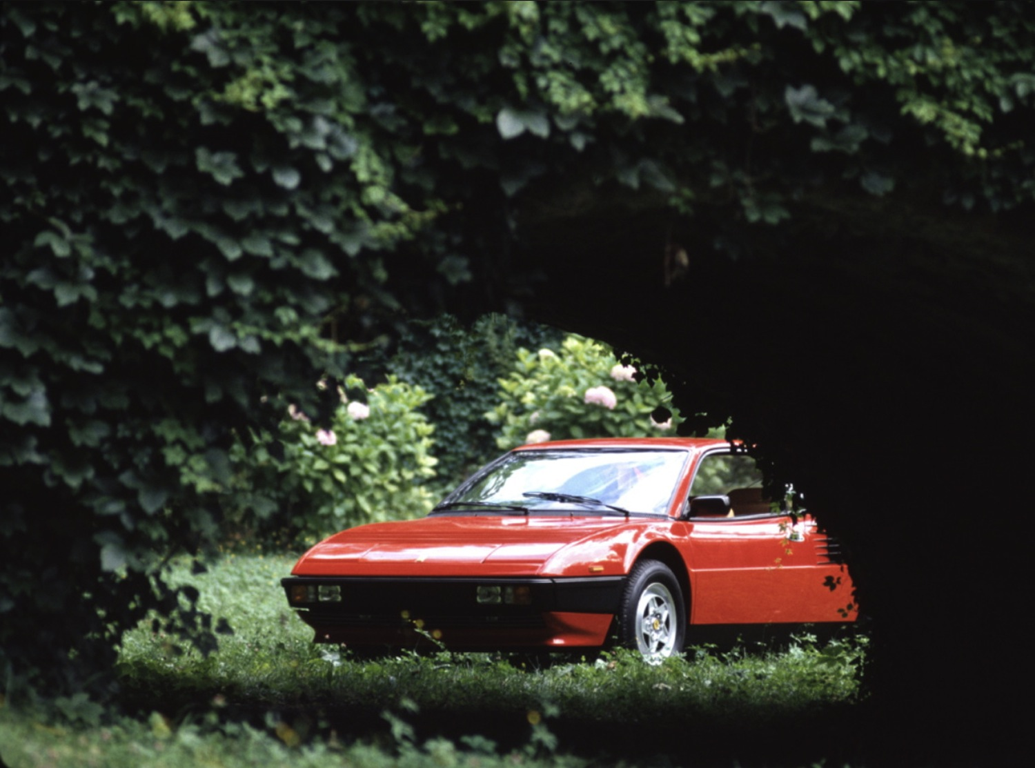 ferrari mondial 8 buyers guide buyers guide ferrari mondial drive h h classics buy classic. Black Bedroom Furniture Sets. Home Design Ideas
