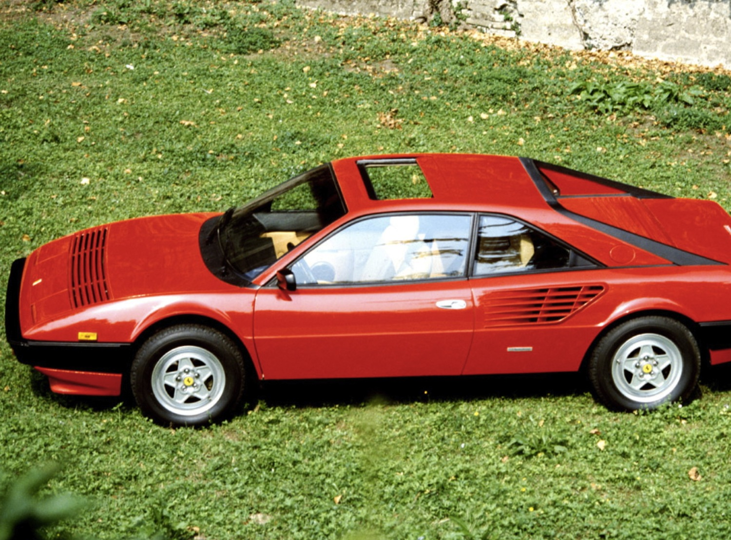 ferrari mondial buying guide ferrari mondial buying guide and review 1980 1993 classic and. Black Bedroom Furniture Sets. Home Design Ideas