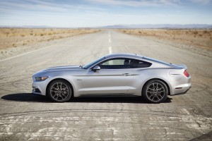 ford-mustang-gt-2015-23
