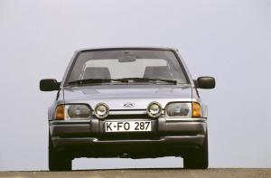 1986-Escort-MK4-rs-turbo-01