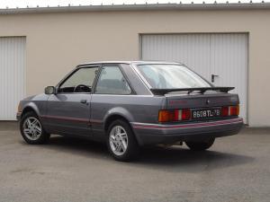 ford-escort-xr3i-phase2-14