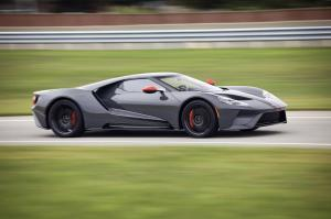 ford-gt-carbon-2019-4