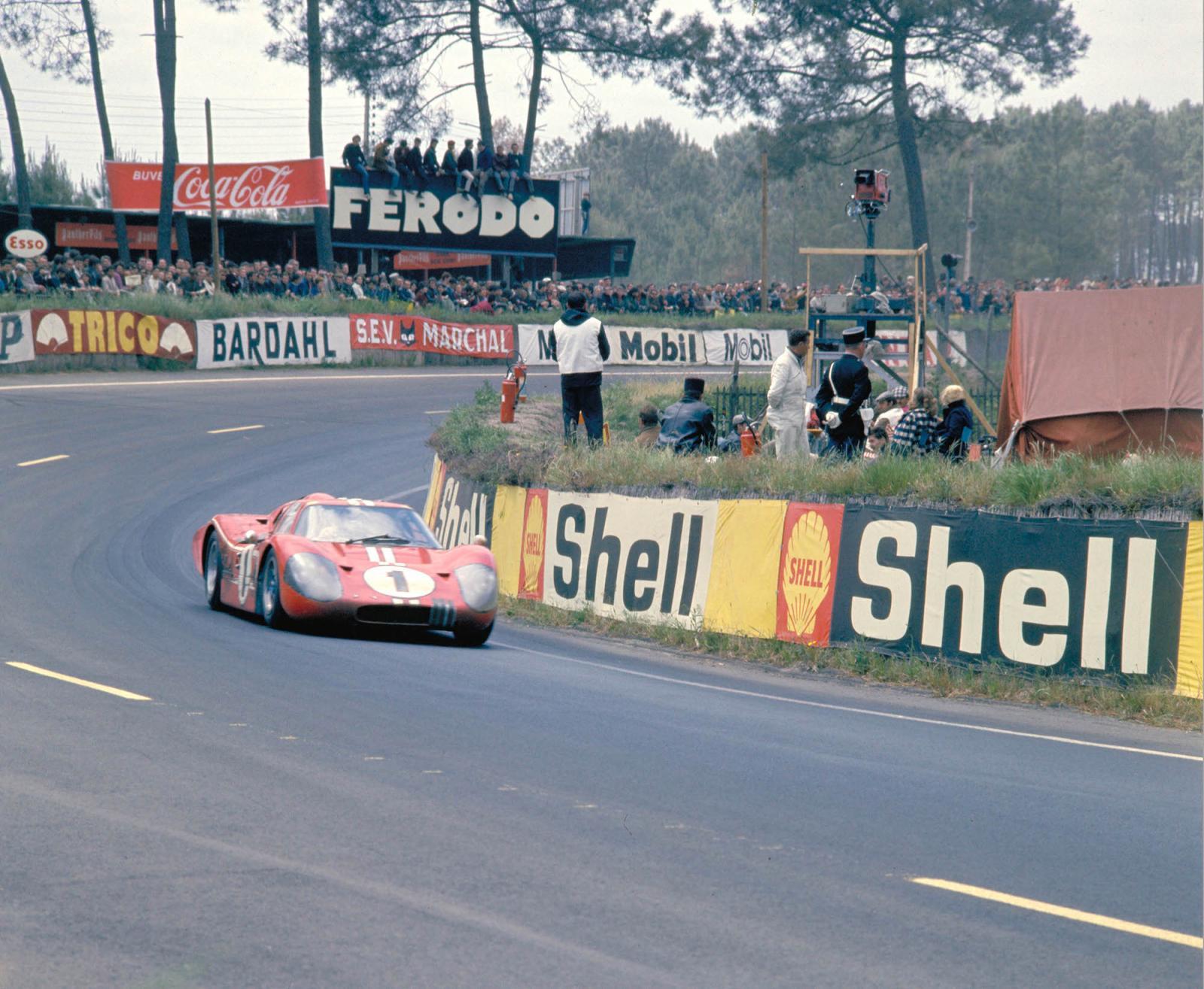 ford-gt-victoire-24-heures-du-mans-1967-1