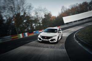 honda-civic-type-r-2017-nurburgring-11