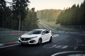 honda-civic-type-r-2017-nurburgring-12