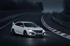 honda-civic-type-r-2017-nurburgring-13