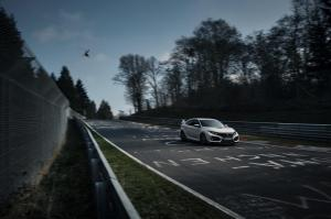 honda-civic-type-r-2017-nurburgring-18