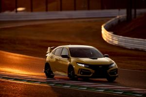 304371 Honda Civic Type R Limited Edition Suzuka Circuit