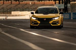 304372 Honda Civic Type R Limited Edition Suzuka Circuit
