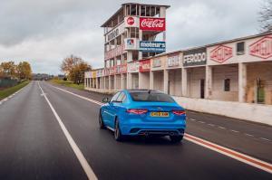 jaguar-xe-reims-edition-3