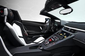 lamborghini-aventador-svj-roadster-26