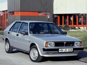 lancia-delta-gt-1600-13