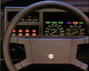 lancia-delta-hf-turbo-mk1-2