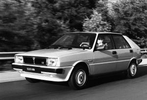 lancia-delta-hf-turbo-mk1-20